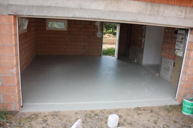 Scoubidou cr pis fini terrasse presque finie bas rhin messages n 945 n 960 for Peinture sol carrele